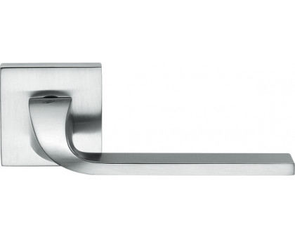 Дверная ручка Colombo Isy BL11 RSB-CM на квадратной розетке (матовый хром)