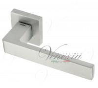 Дверная ручка Fratelli Cattini BOOM 8-CS на квадратной розетке матовый хром