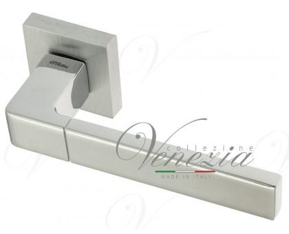 Дверная ручка Fratelli Cattini BOOM 8-CS/CR на квадратной розетке матовый хром/полированный хром