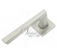 Дверная ручка Fratelli Cattini UNICA 8-CS на квадратной розетке матовый хром